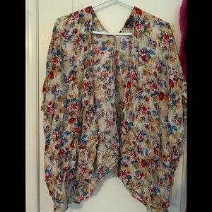 Women's floral kimono - size M